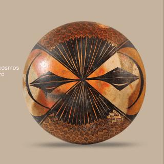 El arte de imaginar: La abstracción del cosmos en una vasija de la cultura Tumbas de tiro   Actividades   Museo Amparo, Puebla.