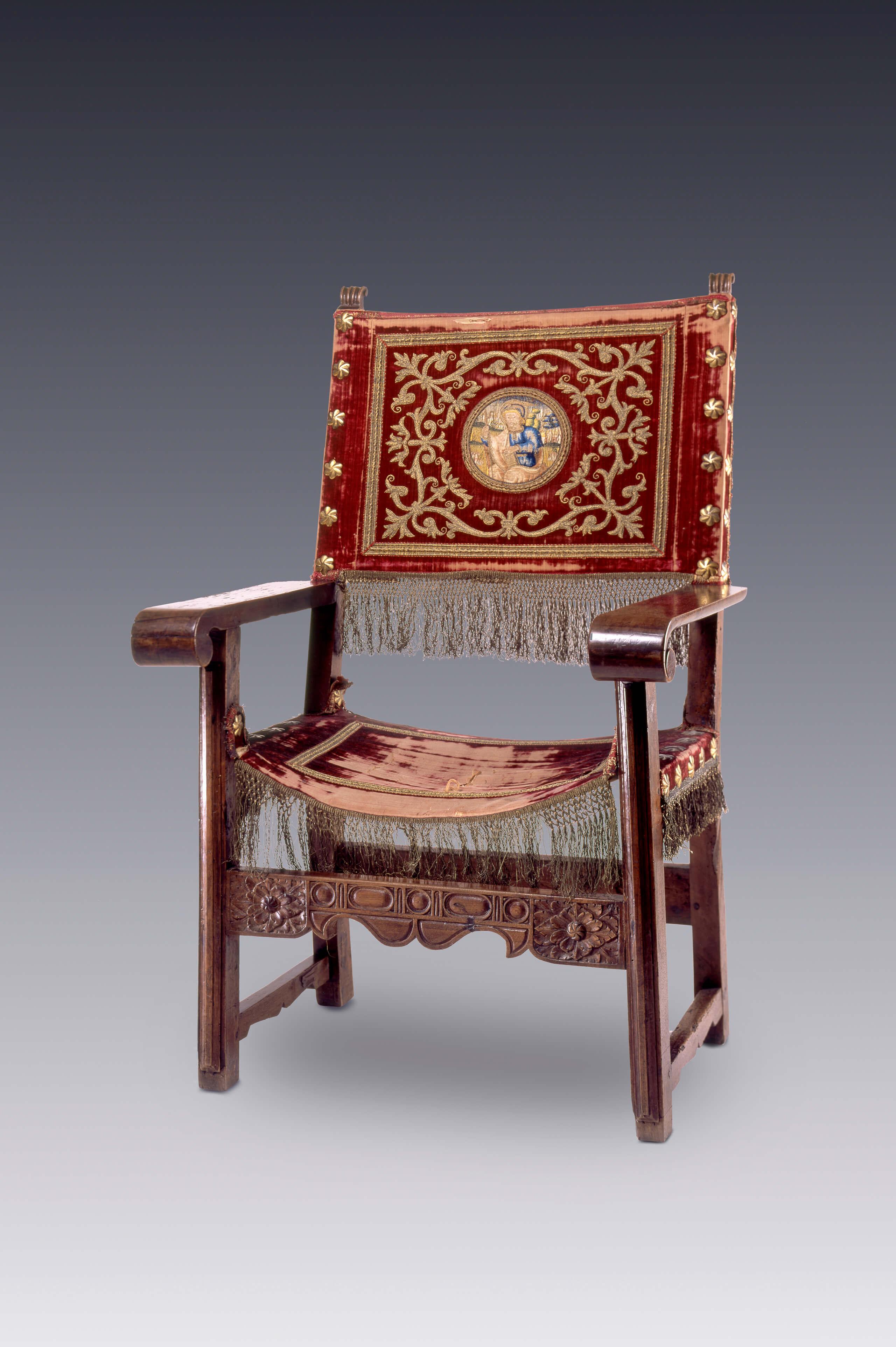 Sillas de brazos con partes y textiles antiguos for Sillas empresariales