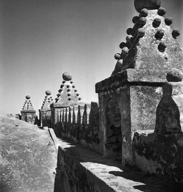Almenas del templo de Yecapixtla | Juan Rulfo. El fotógrafo Juan Rulfo | Museo Amparo, Puebla