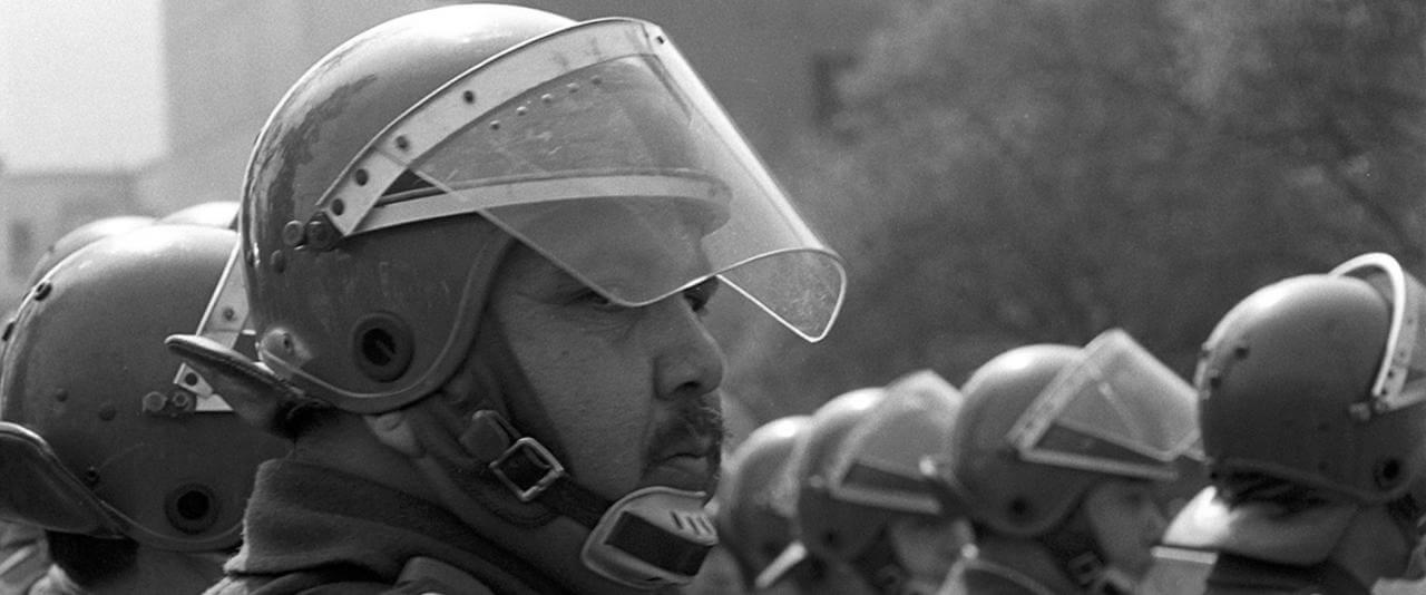 Fuerzas especiales, de la serie Protestas | Paz Errázuriz | Museo Amparo, Puebla