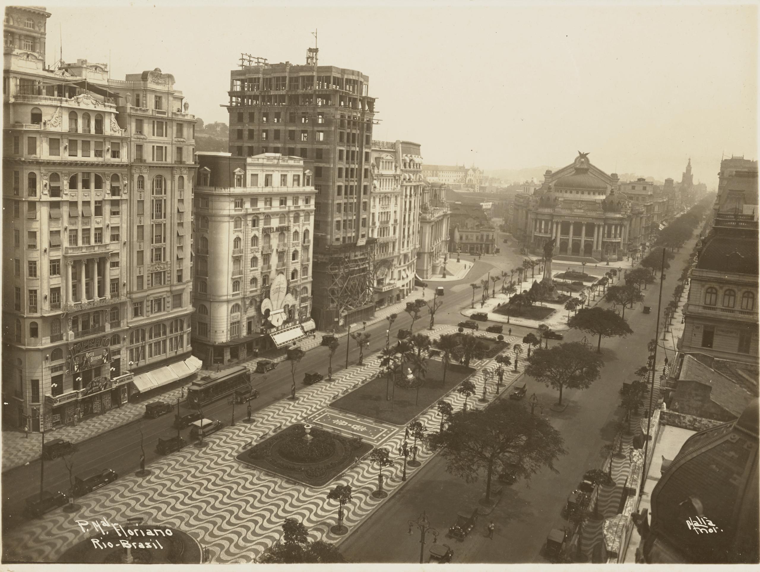 P. Mal [Praça Marechal] Floriano, Rio-Brasil | La metrópolis en América Latina, 1830-1930 | Museo Amparo, Puebla