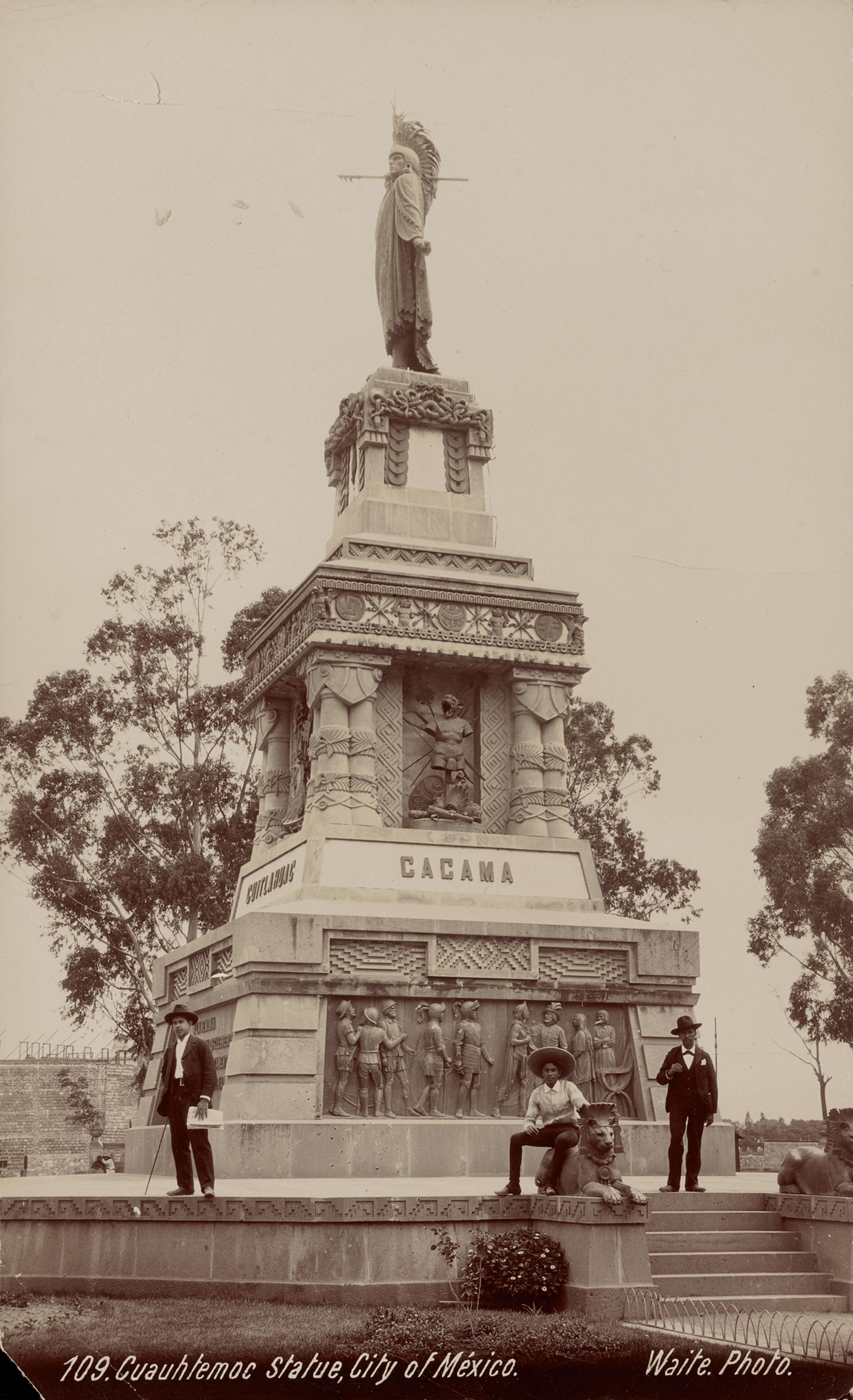 Estatua de Cuauhtémoc, Ciudad de México   La metrópolis en América Latina, 1830-1930   Museo Amparo, Puebla