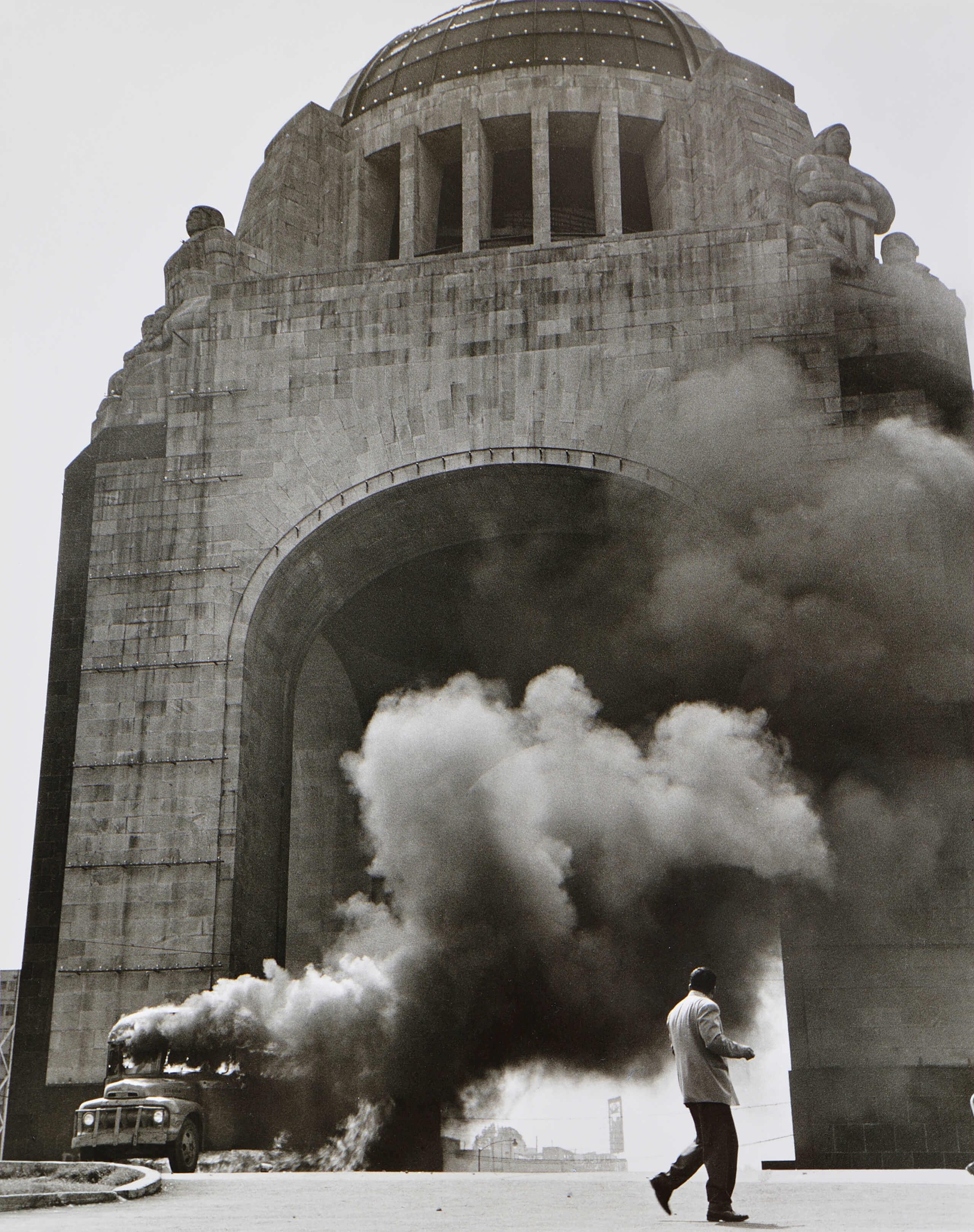 Del testimonio de 1958. Monumento a la Revolución | Rodrigo Moya. México | Museo Amparo, Puebla