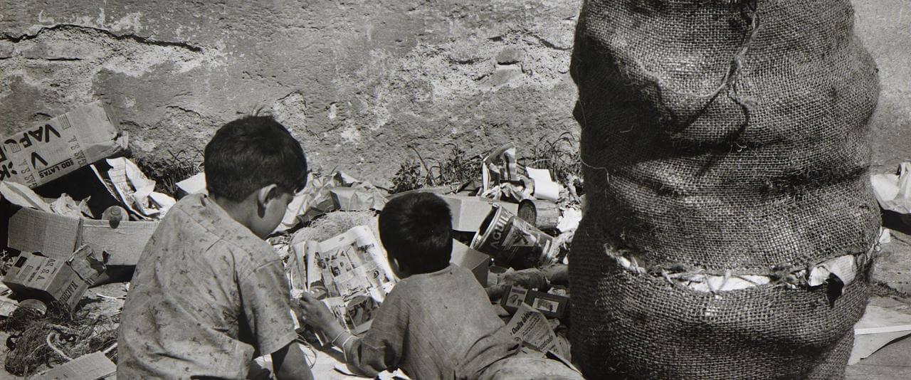 Lectura basura   Rodrigo Moya. México   Museo Amparo, Puebla