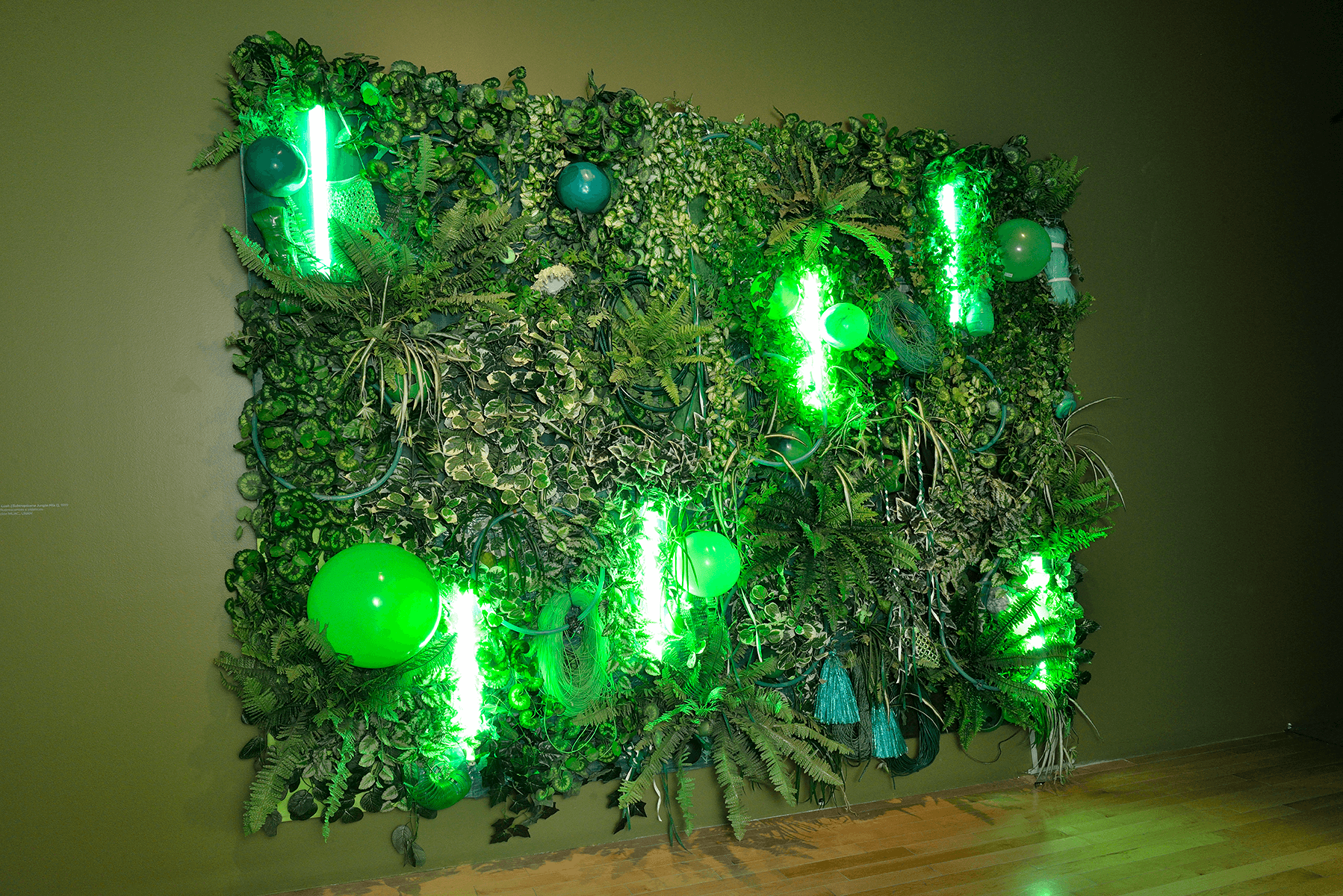 Green Lush (Subtropicana Jungle Mix I) | Melanie Smith. Farsa y artificio | Museo Amparo, Puebla