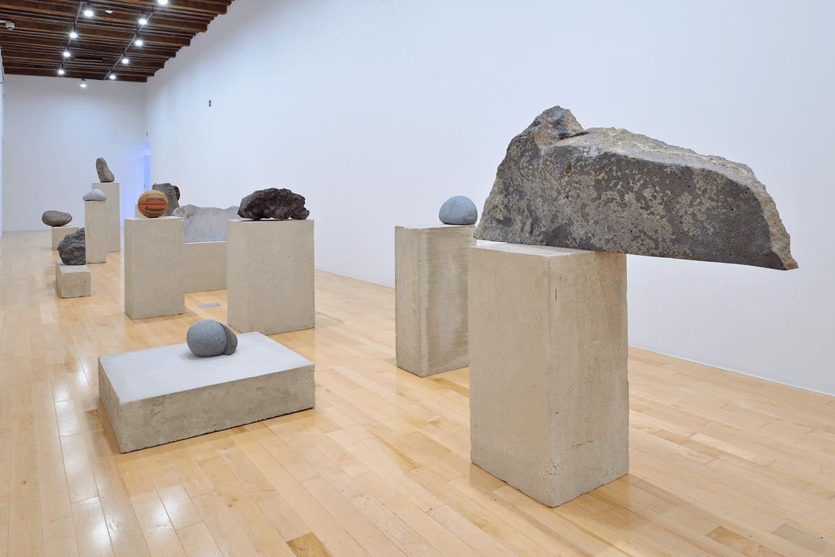 La singularidad tiene algo de irreal, 2019 | Jose Dávila. Pensar como una montaña | Museo Amparo, Puebla