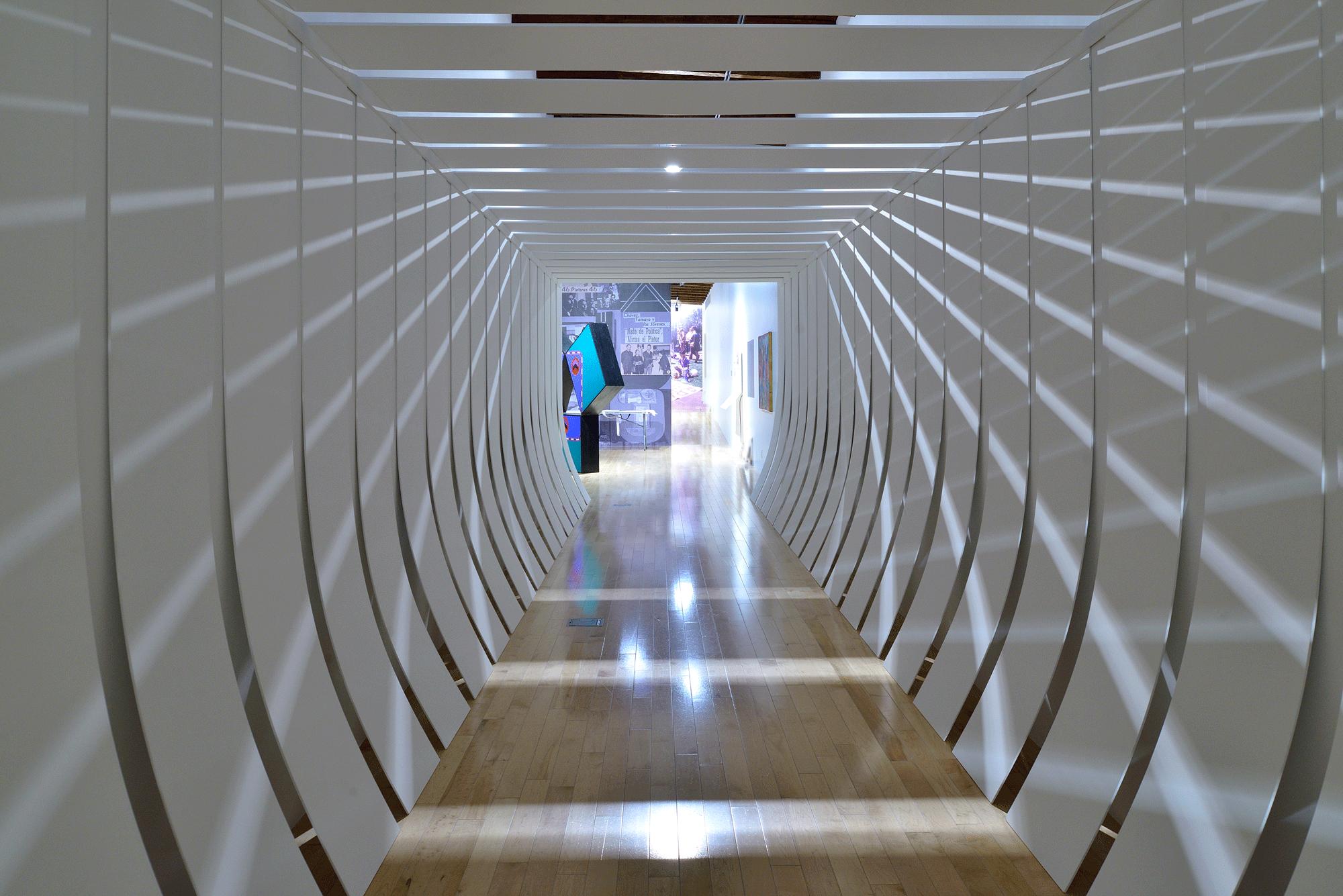 Corredor blanco | Un arte sin tutela: Salón Independiente en México, 1968-1971  | Museo Amparo, Puebla