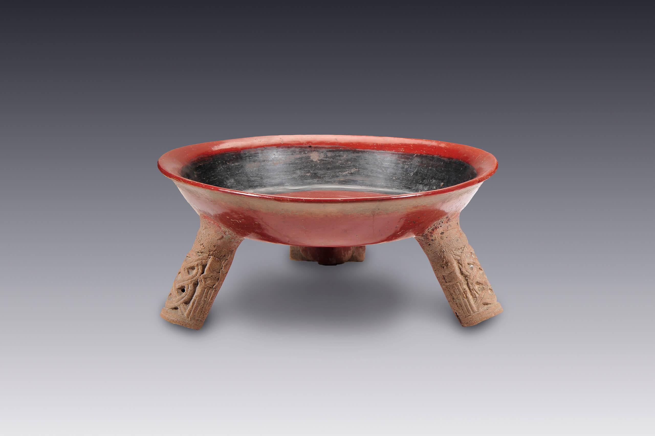 Cajete con soportes cilíndricos | El México antiguo. Salas de Arte ...